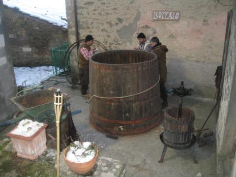 making the wine vats - photo by Maureen Halson