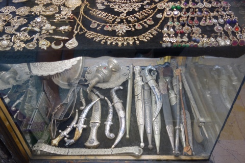 old knives and jewelry