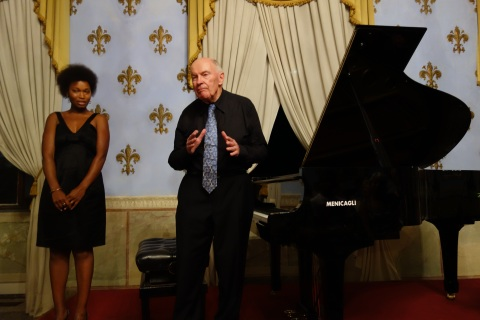 Ronald Farren-Price and Jaqueline Varela interpreting into Italian